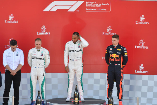 (L to R): Bonnington (GBR) Mercedes AMG F1 Race Engineer, Valtteri Bottas (FIN) Mercedes-AMG F1, Lewis Hamilton (GBR) Mercedes-AMG F1 and Max Verstappen (NED) Red Bull Racing on the podium