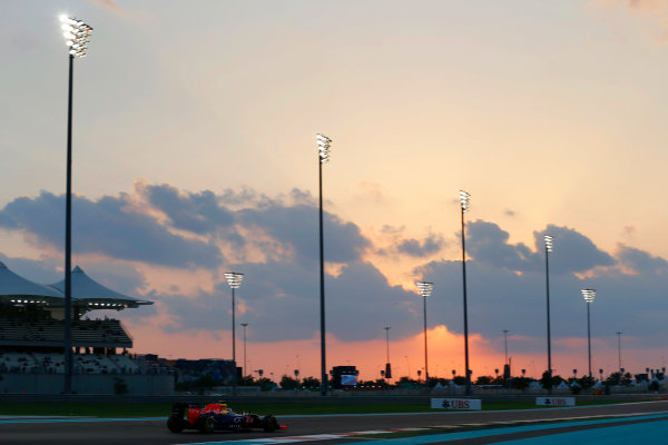 Yas Marina Circuit, Abu Dhabi, United Arab Emirates. Friday 27 November 2015. Daniel Ricciardo, Red Bull Racing RB11 Renault. World Copyright: Charles Coates/LAT Photographic ref: Digital Image _99O7089