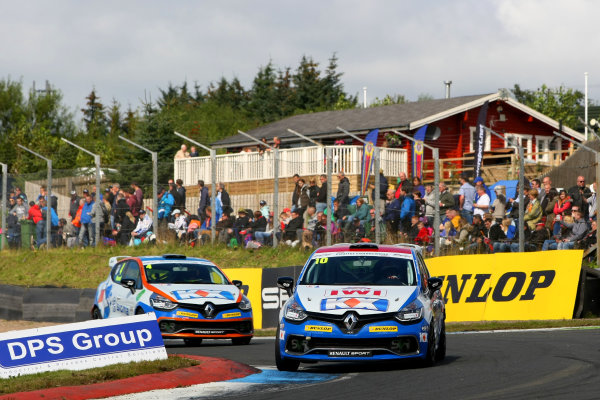 2014 Renault Clio Cup, Knockhill, Scotland. 22nd - 24th August 2014. Ant Whorton-Eales (GBR) SV Racing with KX Renault Clio Cup. World Copyright: Ebrey / LAT Photographic.