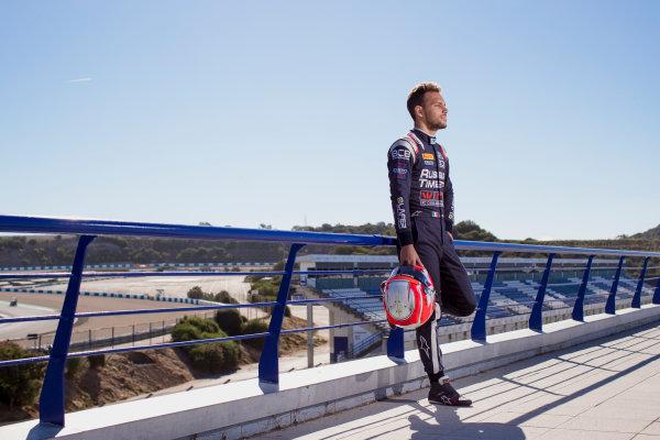 2017 FIA Formula 2 Round 10. Circuito de Jerez, Jerez, Spain. Thursday 5 October 2017. Luca Ghiotto (ITA, RUSSIAN TIME).  Photo: Zak Mauger/FIA Formula 2. ref: Digital Image _56I3871