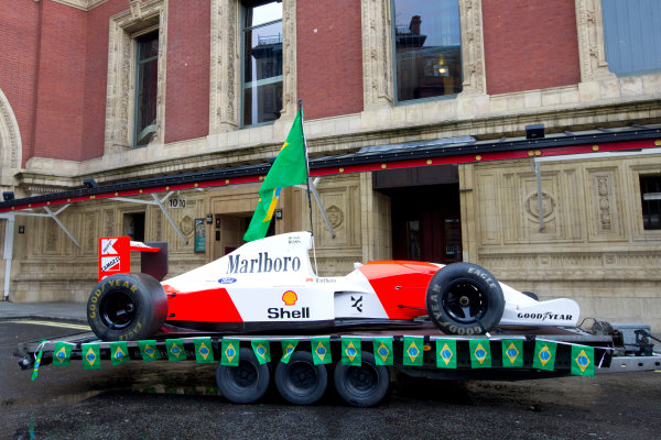 2014 Ayrton Senna Tribute. Royal Albert Hall, Kensington Gore, London. 1st May 2014. Peter Ratcliffe parades a replica 1993 Ayrton Senna McLaren around the streets of London. World Copyright: Alastair Staley / LAT Photographic. Ref: _R6T0305.jpg