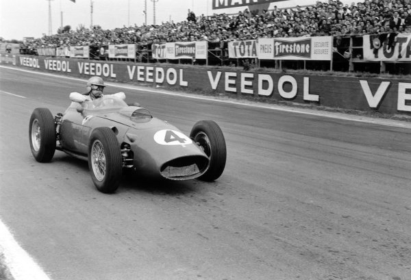 1960 French Grand Prix Reims, France. 1-3 July 1960 Wolfgang von Trips (Ferrari Dino 246), 11th position World Copyright: LAT PhotographicRef: Autosport b&w print