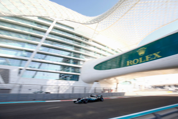 Yas Marina Circuit, Abu Dhabi, United Arab Emirates. Saturday 25 November 2017. Lewis Hamilton, Mercedes F1 W08 EQ Power+.  World Copyright: Andy Hone/LAT Images  ref: Digital Image _ONY1288
