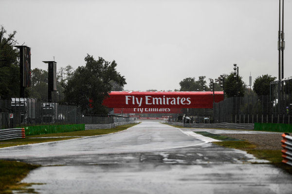Autodromo Nazionale di Monza, Italy. Saturday 02 September 2017. The wet track at the Ascari chicane. World Copyright: Glenn Dunbar/LAT Images  ref: Digital Image _X4I9100