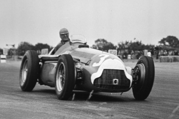 1951 British Grand Prix.Silverstone, Great Britain. 14 July 1951.Consalvo Sanesi (Alfa Romeo 159), 6th position. Ref-C29877.World Copyright - LAT Photographic