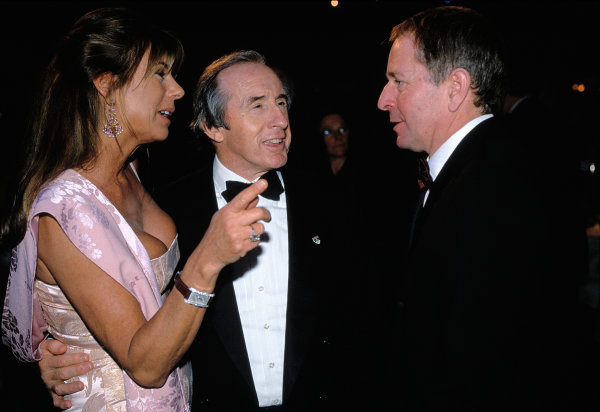 2003 Autosport AwardsGrosvenor Hotel, London, EnglandJackie and Helen Stewart talk to Martin Brundle. Portrait.World Copyright: Bloxham/LATref: 35mm Transparency (30mb scan)