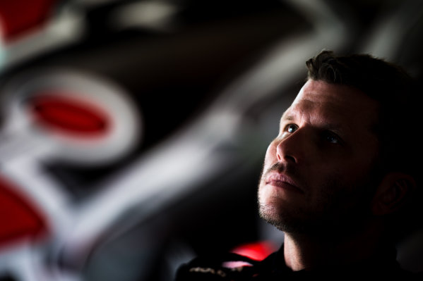 2016 V8 Supercar Championship Round 4.  Perth SuperSprint, Barbagallo Raceway, Western Australia, Australia. Friday 6th May to Sunday 8th May 2016. Garth Tander driver of the #2 Holden Racing Team Holden Commodore VF. World Copyright: Daniel Kalisz/LAT Photographic Ref: Digital Image 060516_V8SCR4_PPERTH_DKIMG_1508.JPG