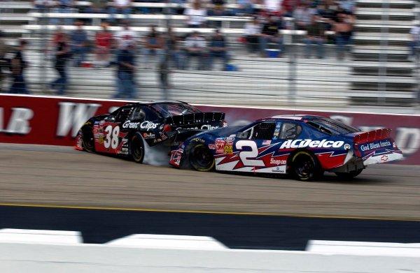 2003 NASCAR-Food City 500 Bristol Tenn ,March 20-23Kasey Kahne gets smashed by Ron Hornaday Jr.World Copyright-RobtLeSieur2003LAT Photographic