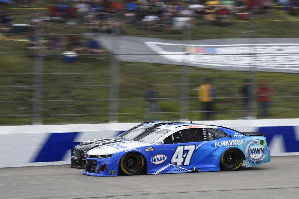 #47: Ricky Stenhouse Jr., JTG Daugherty Racing, Chevrolet Camaro Kroger/Dawn, #38: Anthony Alfredo, Front Row Motorsports, Ford Mustang Dude Wipes