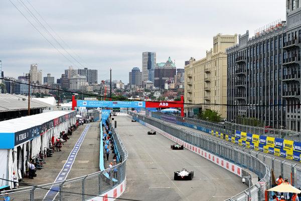 Lucas Di Grassi (BRA), Audi Sport ABT Schaeffler, Audi e-tron FE07, leads Norman Nato (FRA), Venturi Racing, Silver Arrow 02