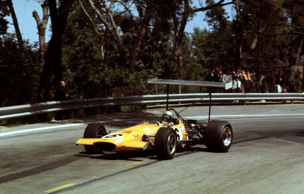 1969 Spanish Grand Prix.Monjuich Park, Barcelona, Spain.2-4 May 1969.Bruce McLaren (McLaren M7A Ford) 2nd position.Ref-69 ESP 09.World Copyright - LAT Photographic