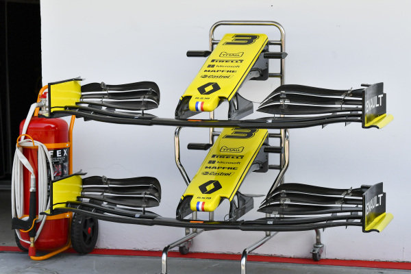 Front wing on Renault R.S.19