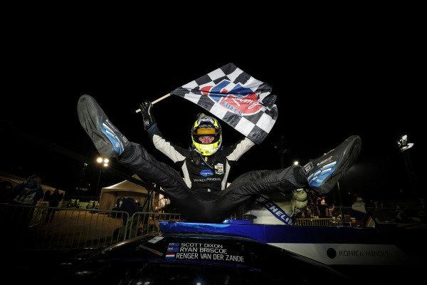 Winner #10 Konica Minolta Cadillac DPi-V.R. Cadillac DPi, DPi: Renger Van Der Zande
