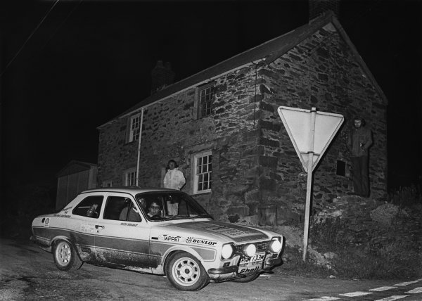 Servais Rally, North Norfolk. 5th - 6th April 1975.Mick Briant/John McKerrell (Ford Escort RS2000), 1st position, action. World Copyright: LAT Photographic.Ref:  7296 - 28.